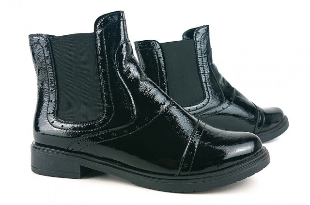 1009 Ботинки лаковые женские