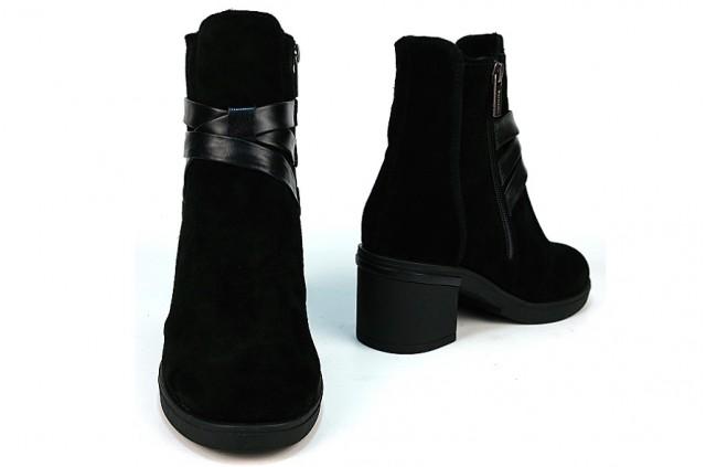 2078 Ботинки на каблуке